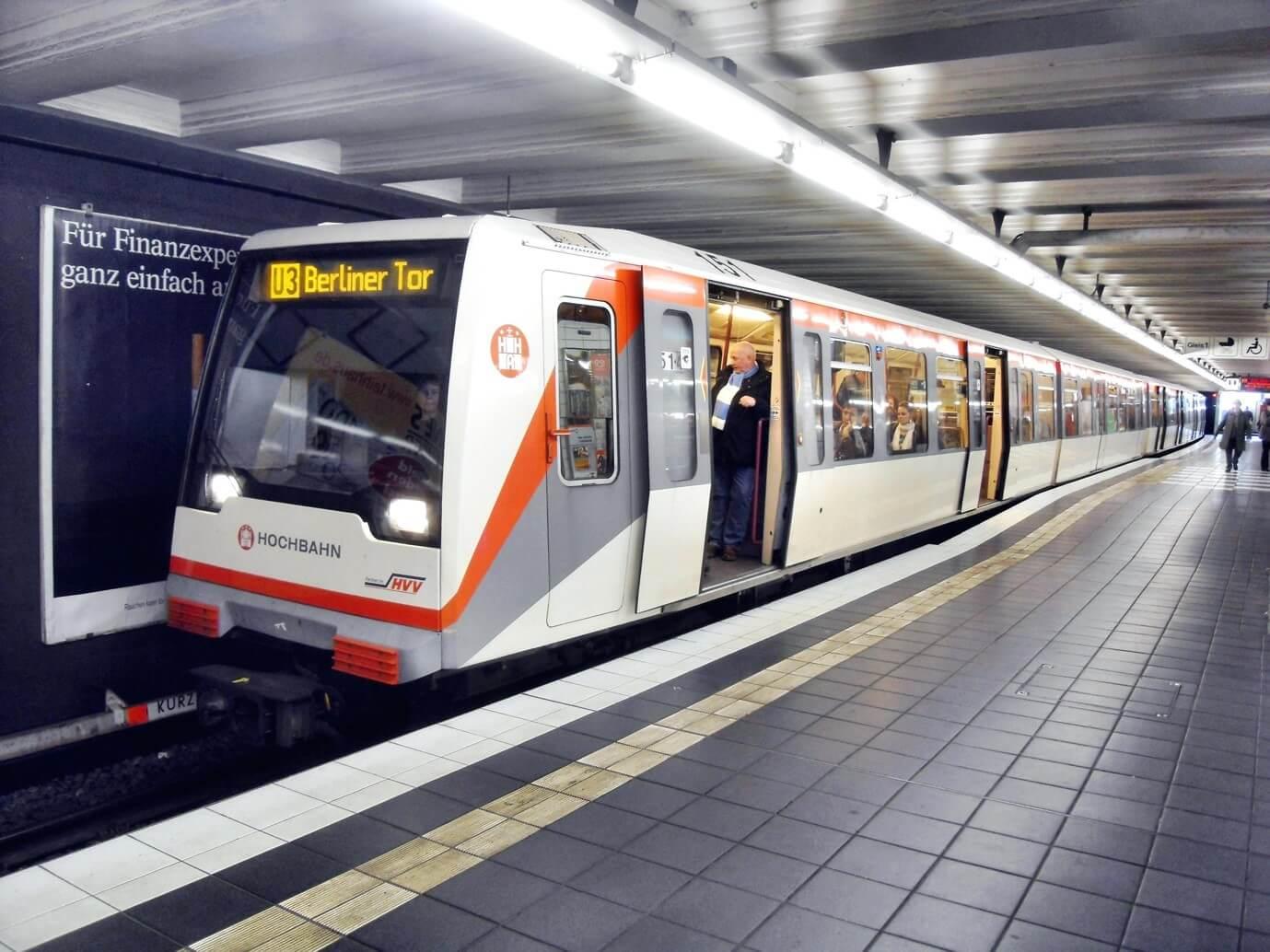 Tàu điện ngầm (U-Bahn)