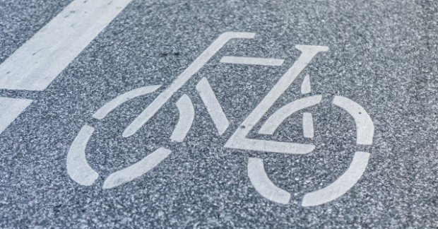 Biểu tượng xe đạp trên làn đường xe đạp