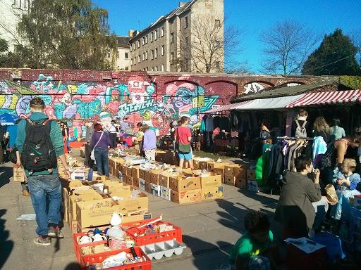 Flohmarkt - chợ đồ cũ