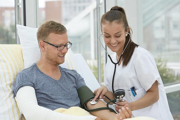 Chuyên gia điều dưỡng tại Đức