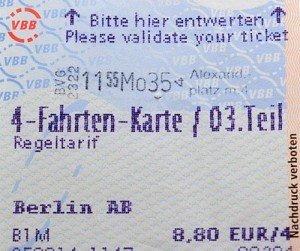 Vé có giá trị đi trong khu A và B