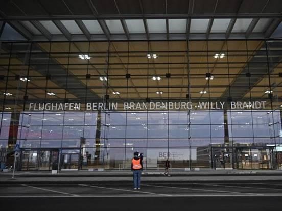 Sân bay Berlin nước Đức (3)