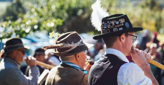 Trang phục truyền thống Đức (1)