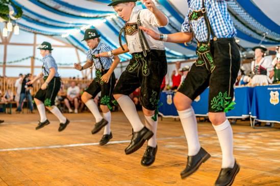 Trang phục truyền thống Đức (5)