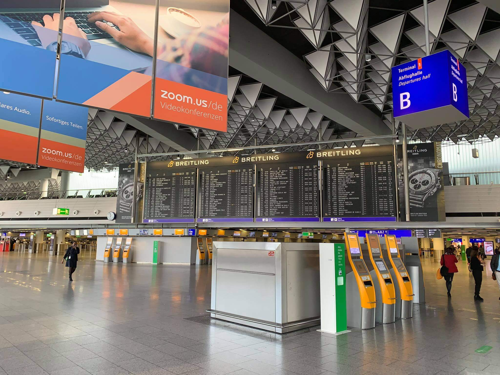 Sân bay Frankfurt - Terminal 1 sảnh đón khách