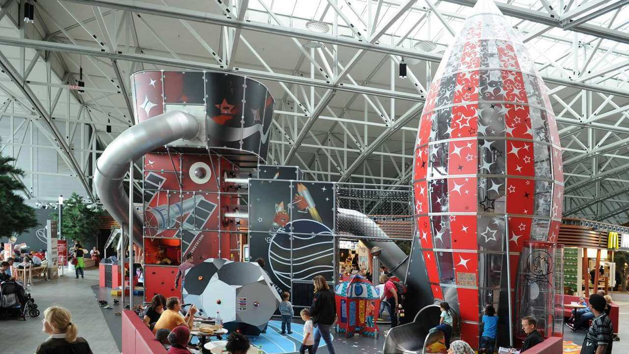 Sân bay Frankfurt - chỗ chơi cho trẻ em