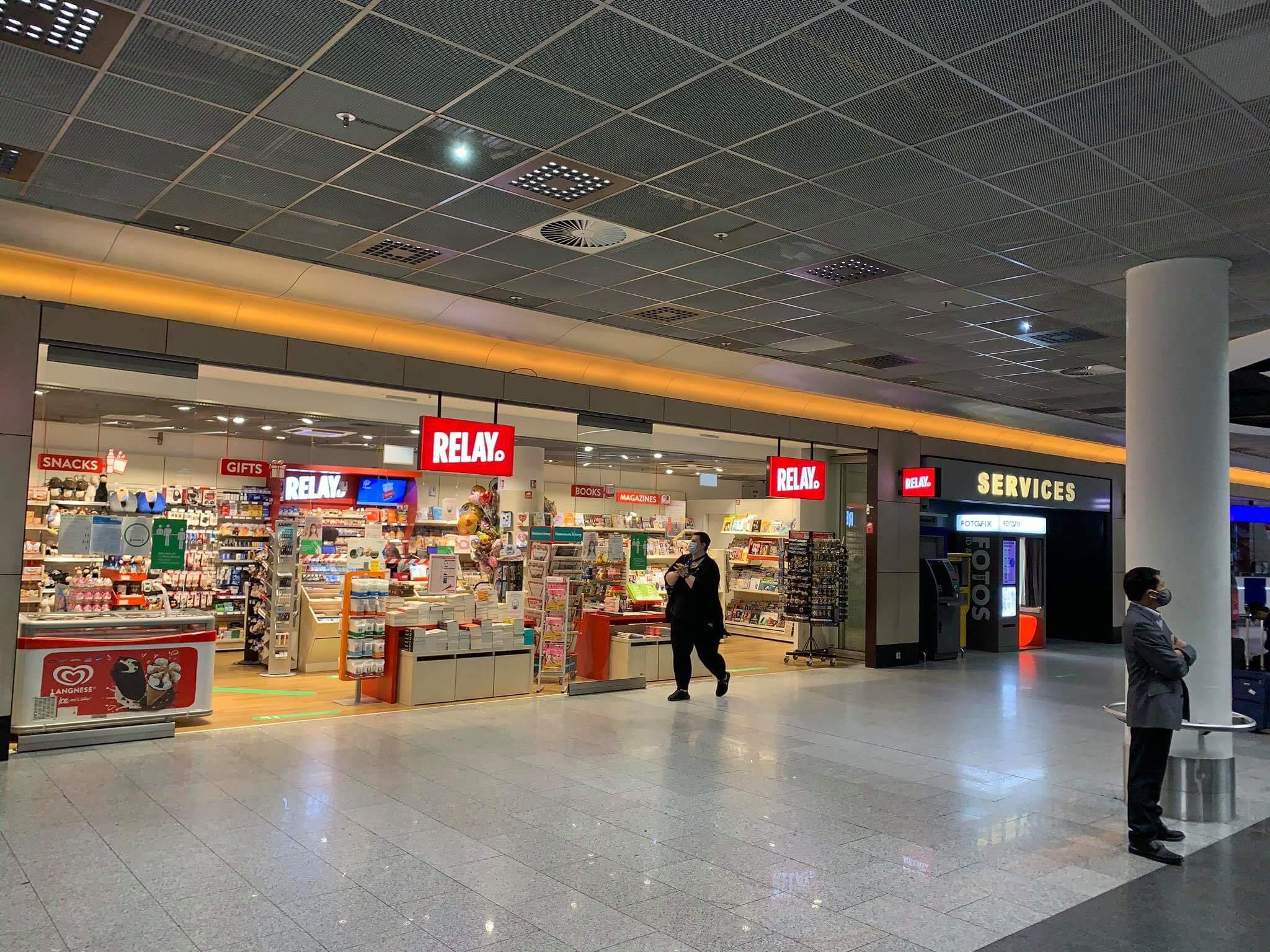 Sân bay Frankfurt - của hàng trong sân bay Frankfurt