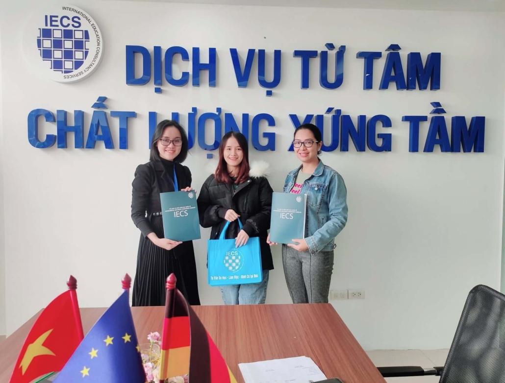 Hoạt động ở IECS Hà Nội