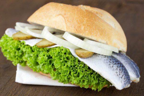 Bánh mì kẹp cá Fischbrötchen